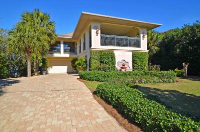 Holiday Isle Single Family Home For Sale: 613 Lagoon Drive