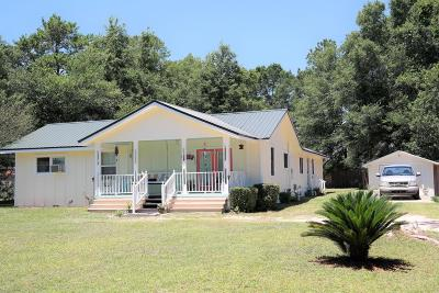Defuniak Springs Single Family Home For Sale: 119 Twin Lakes Drive