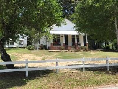 Defuniak Springs Single Family Home For Sale: 2902 Spring Lake Road