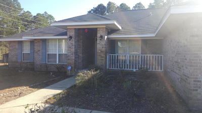 Navarre Single Family Home For Sale: 7059 Sawfish St