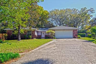 Single Family Home For Sale: 5 Greenwood Circle