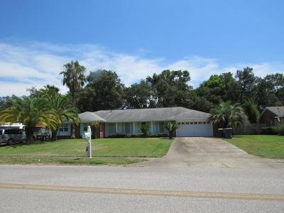 Fort Walton Beach Single Family Home For Sale: 240 NE Yacht Club Drive