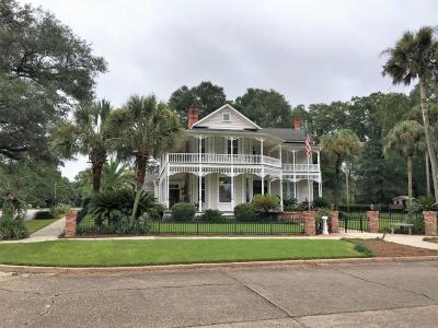 Defuniak Springs Single Family Home For Sale: 730 Circle Drive