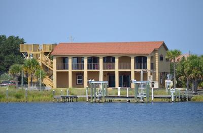 Pensacola Beach Single Family Home For Sale: 262 Sabine Drive