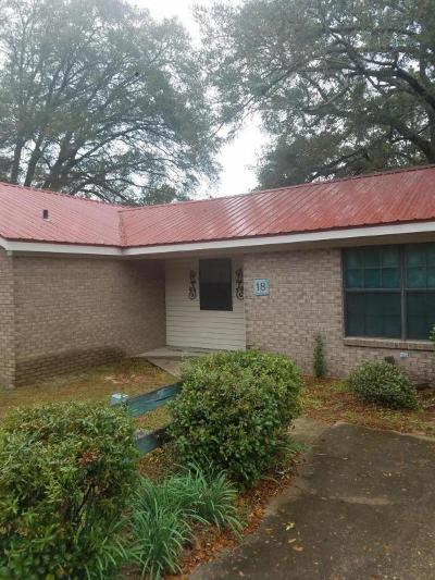 Defuniak Springs Single Family Home For Sale: 18 Haigh Hill Road