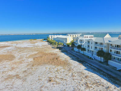 Navarre Condo/Townhouse For Sale: 8436 Gulf Boulevard #433