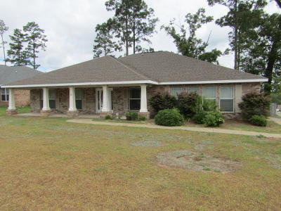 Crestview FL Single Family Home For Sale: $230,000
