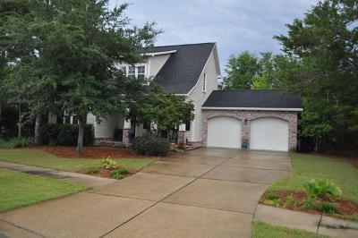 Freeport Single Family Home For Sale: 74 Whitman Way
