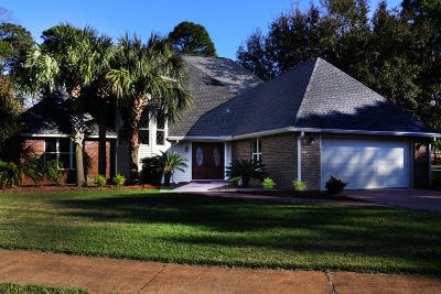 Destin Single Family Home For Sale: 44 E Country Club Drive