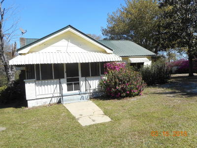 Holmes County Single Family Home For Sale: 2617 N Hwy 81