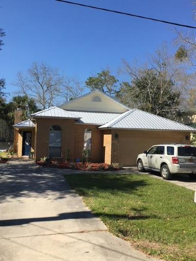Freeport Single Family Home For Sale: 310 Bayou Circle