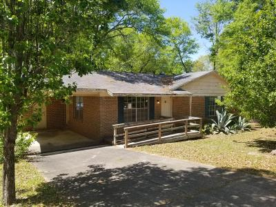 Defuniak Springs Single Family Home For Sale: 253 Hurley Drive