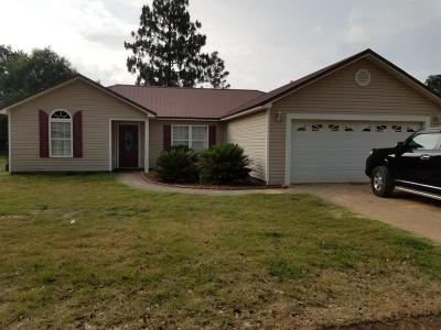 Defuniak Springs Single Family Home For Sale: 14 Millers Way Road