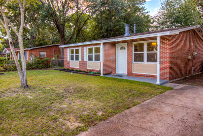 Fort Walton Beach Single Family Home For Sale: 208 Spencer Drive