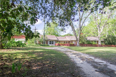 Holmes County Single Family Home For Sale: 2915 W Hwy 90