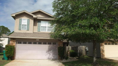 Shalimar Single Family Home For Sale: 823 Sugar Plum Lane