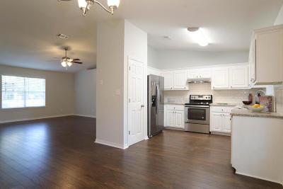 Navarre Single Family Home For Sale: 8207 Riverside Landing Lane