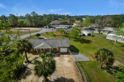 Navarre Single Family Home For Sale: 9277 Deer Lane