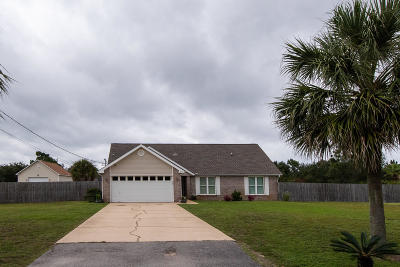 Navarre Single Family Home For Sale: 2000 Jamaica Drive