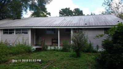 Defuniak Springs Single Family Home For Sale: 121 Aero Drive