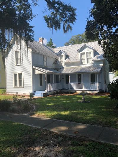 Defuniak Springs Single Family Home For Sale: 280 Crescent Drive