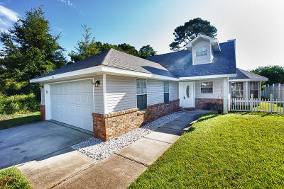 Destin Single Family Home For Sale: 1215 Quail Lake Boulevard