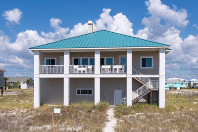 Navarre Single Family Home For Sale: 7631 Gulf Boulevard