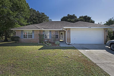 Navarre Single Family Home For Sale: 2547 Hidden Estates Circle