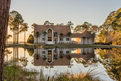Milton Single Family Home For Sale: 5501 Bay Meadows Drive