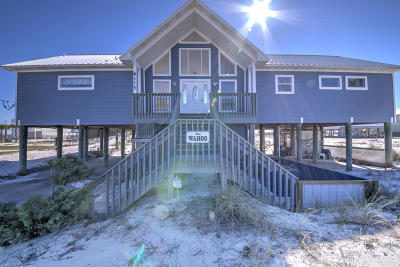 Navarre Single Family Home For Sale: 8175 White Sands Boulevard