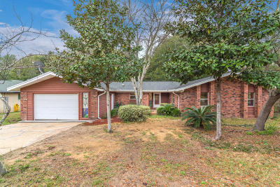 Niceville Single Family Home For Sale: 2424 Roberts Drive