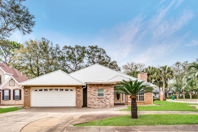 Shalimar Single Family Home For Sale: 2573 Palm Shores Drive
