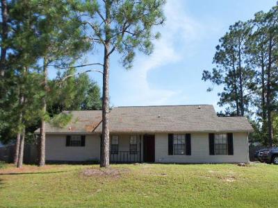 Crestview Single Family Home For Sale: 102 Oak Terrace Drive