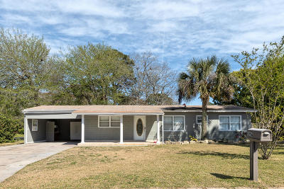 Mary Esther Single Family Home For Sale: 698 Blackstone Road