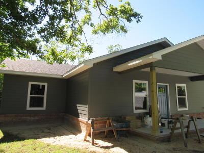 Defuniak Springs Single Family Home For Sale: 116 Nowling Drive
