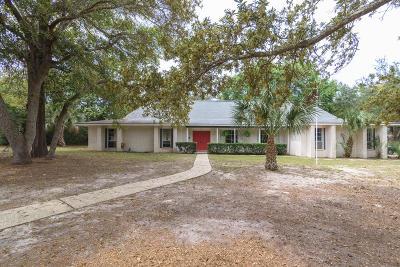 Gulf Breeze Single Family Home For Sale: 702 Poinciana Drive
