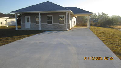Freeport Single Family Home For Sale: 149 Bay Grove Road