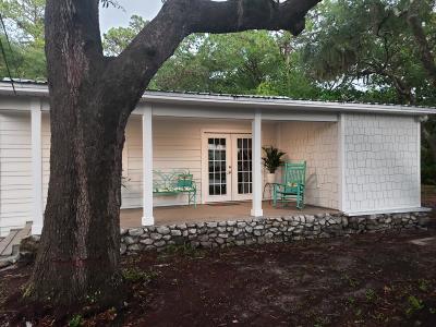Freeport Single Family Home For Sale: 85 Marsh Drive
