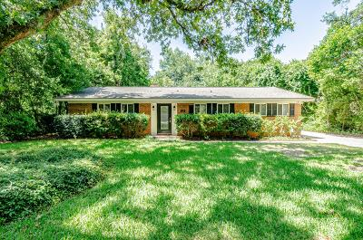 Gulf Breeze Single Family Home For Sale: 220 Cordoba Street