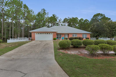 Navarre Single Family Home For Sale: 2499 Crescent Road