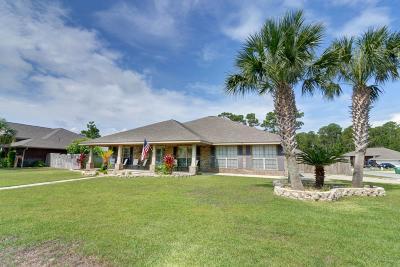 Gulf Breeze Single Family Home For Sale: 1819 Twin Pine Boulevard