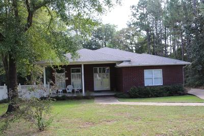 Defuniak Springs Single Family Home For Sale: 136 Country Manor Road