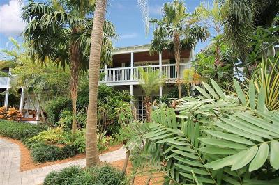 Monroe County Single Family Home For Sale: 70 Sunset Key Drive
