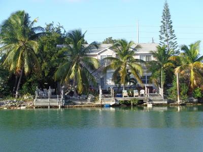 Monroe County Single Family Home For Sale: 5305 Ocean Terrace