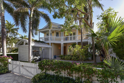 Single Family Home For Sale: 23 Sunset Key Drive