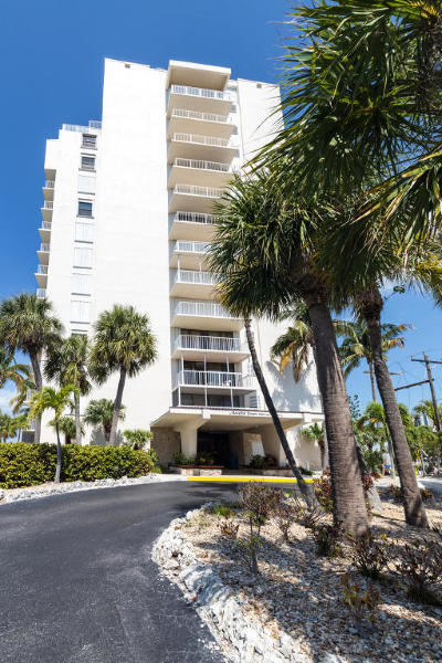 Monroe County Condo/Townhouse For Sale: 2000 Coco Plum Drive #406