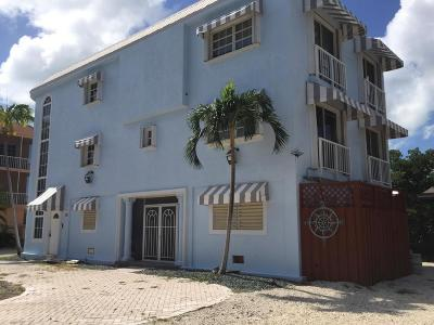 Key Largo Single Family Home For Sale: 65 Waterways Drive