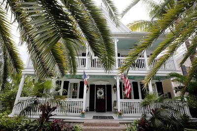 Key West FL Single Family Home Contingent/Show: $1,375,000