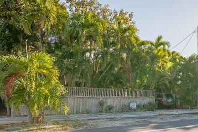 Key West FL Multi Family Home For Sale: $950,000