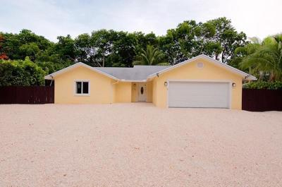 Key Largo Single Family Home For Sale: 556 Bonito Avenue